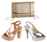 Goldene Clutch und metallisch glänzende High Heels