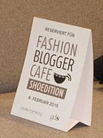 Das Werbeschild eines Bloggercafés
