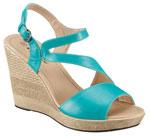 Wedges sind Schuhe mit einem durchgehenden Keilabsatz.