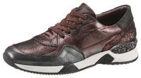 Das Highlight des bordeauxfarbenen Sneakers ist der Materialmix.