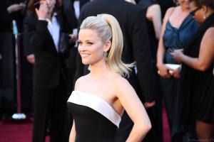 Reese Witherspoon ist mit ihren strahlenden Augen ein typisches Beispiel für einen Sommertyp.