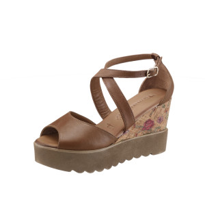 Erst die Hippies etablierten den Trend der Keilabsatz-Schuhe.