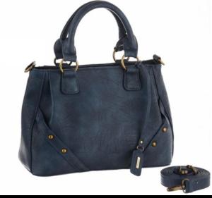 Die Handtasche wird durch ihre vielseitigen Inhalte zu einem unverzichtbaren Must-Have.