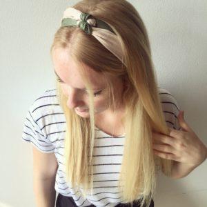 Seidentuch als Haaraccessoire